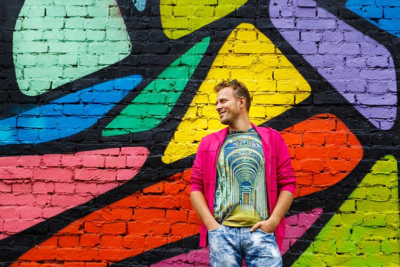 Илья Попов из продюсерского центра «Рики» первым в России решился создавать не только мультипликационный сериал, но и целый мир товаров вокруг него