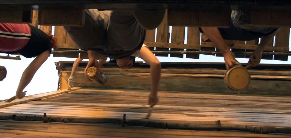 Кадр из документального фильма «Том Сойер Фест: ходящие по лесам»