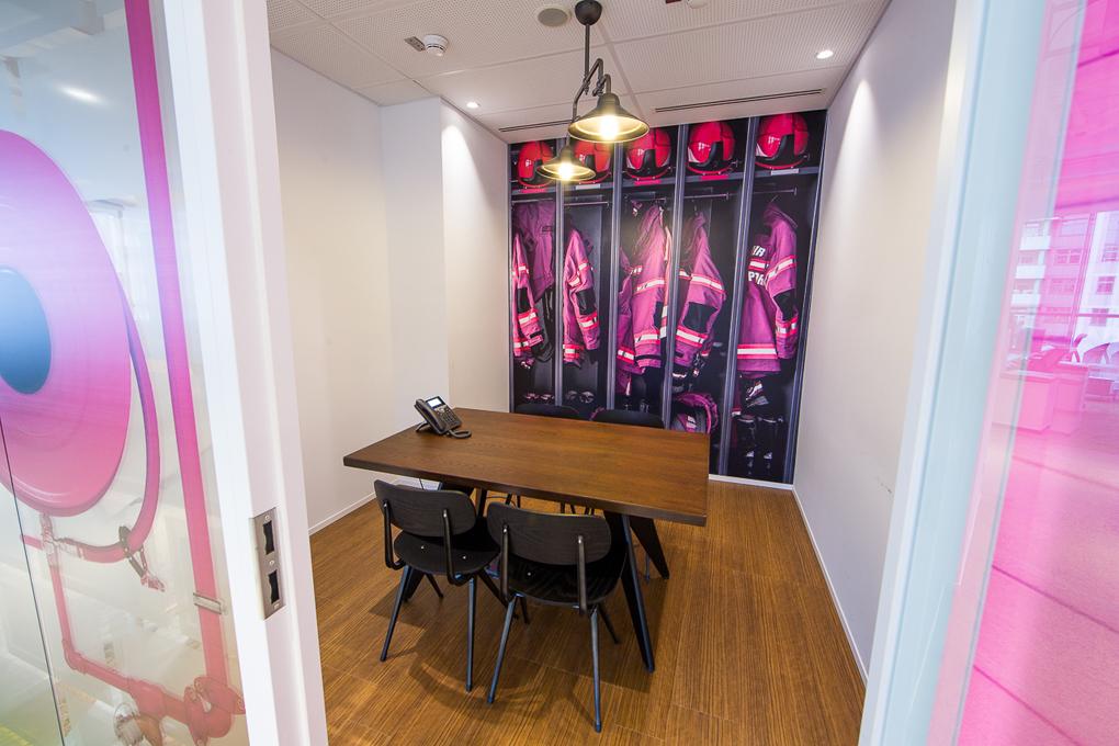 Офис RB имеет планировку, ориентированную преимущественно напомещения open space, всвязисчемдоля кабинетов враспределении офисных площадей составляет только4,3%
