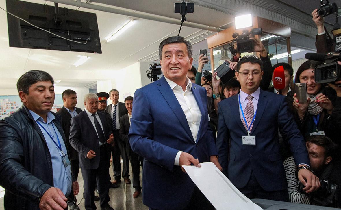 Сооронбай Жээнбековна встрече с избирателями. 7 октября 2017 года