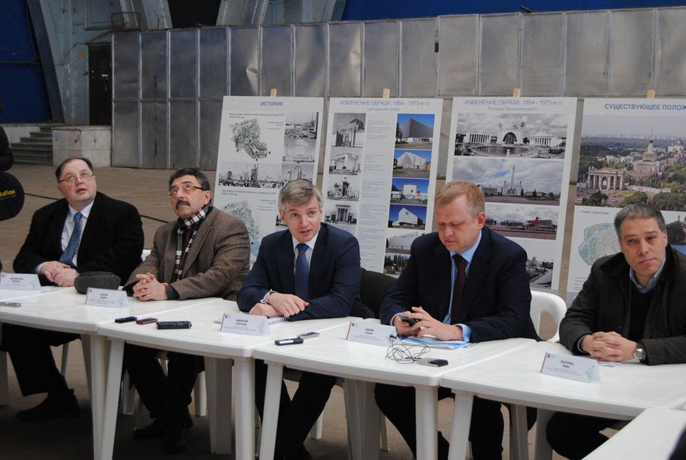 Слева направо: Д.Швидковский, А.Баталов, А.Кибовский, С.Капков, Б.Пастернак