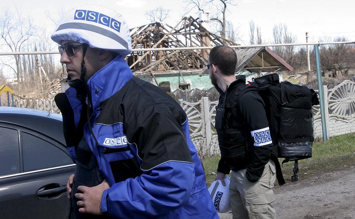 Сотрудники ОБСЕ на Украине. Апрель 2015 года