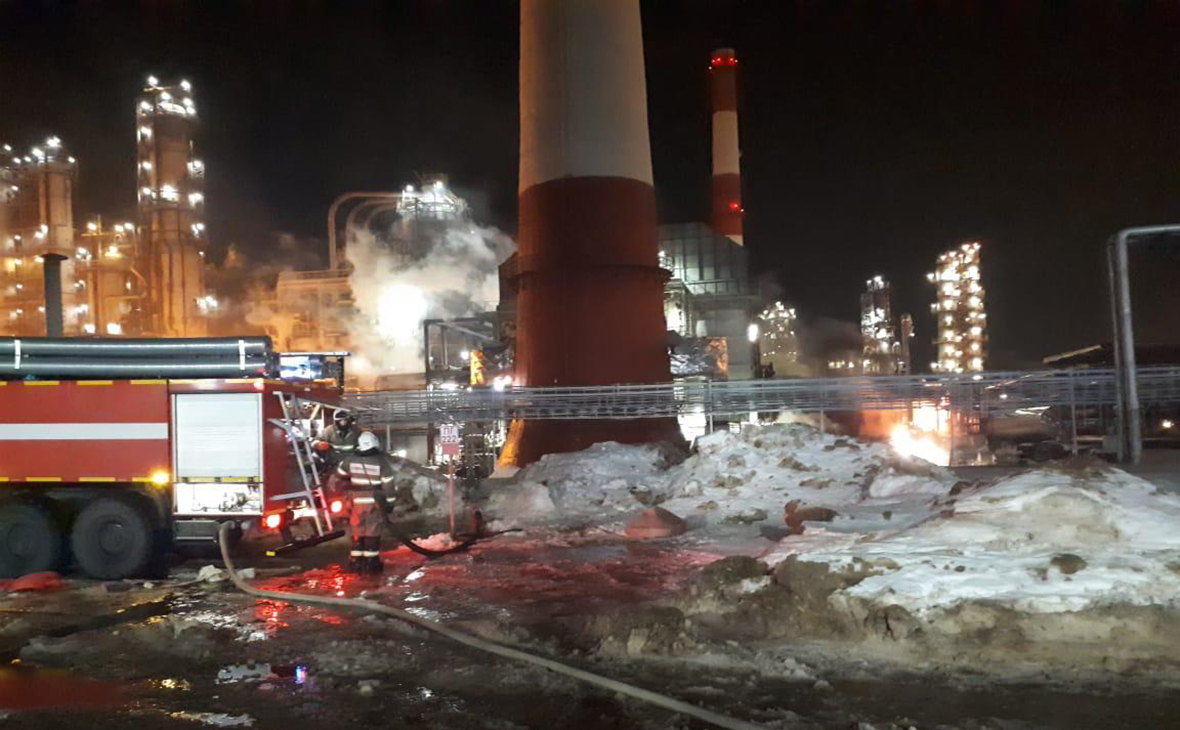 В сирийском Хомсе произошёл пожар на нефтеперерабатывающем заводе