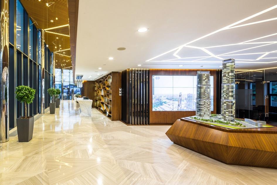 Номинация «Офис—шоу-рум»— бизнес-пространство вобщественном интерьере Шоу-рум комплекса Neva Towers / архитектурная студия HBA