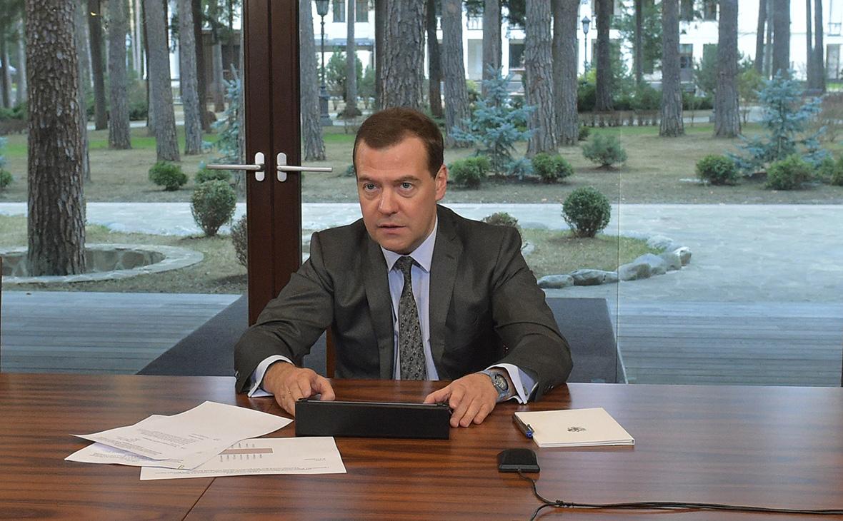 Депутаты спросят у Медведева о зарплатах, ВТО и аварийных запусках ракет