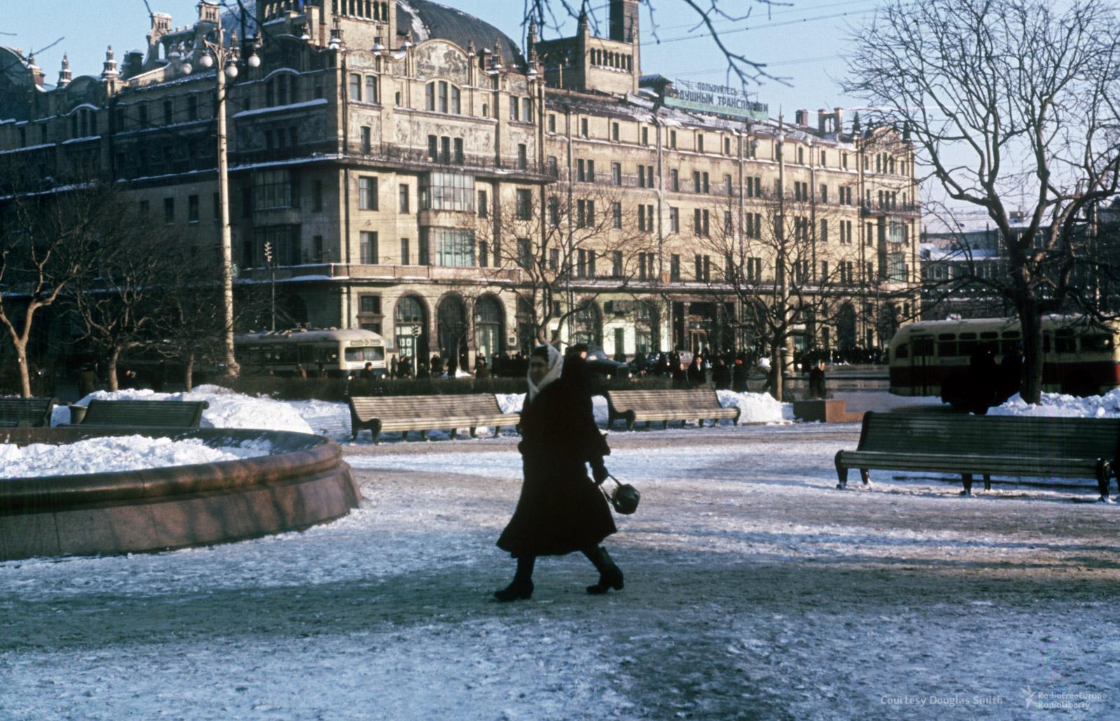 Театральная площадь иотель «Метрополь»