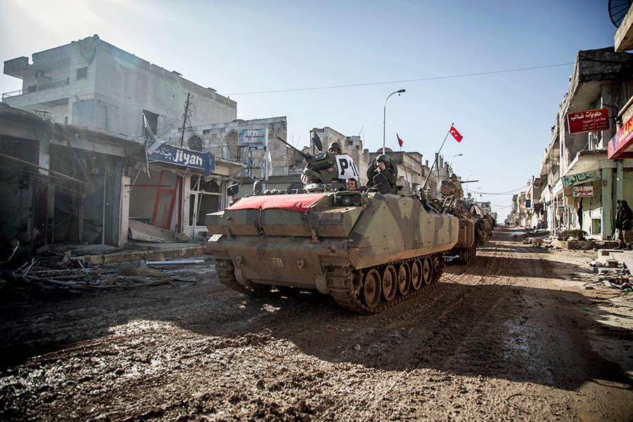Турецкая военная техника всирийском городе Айн-эль-Арабе