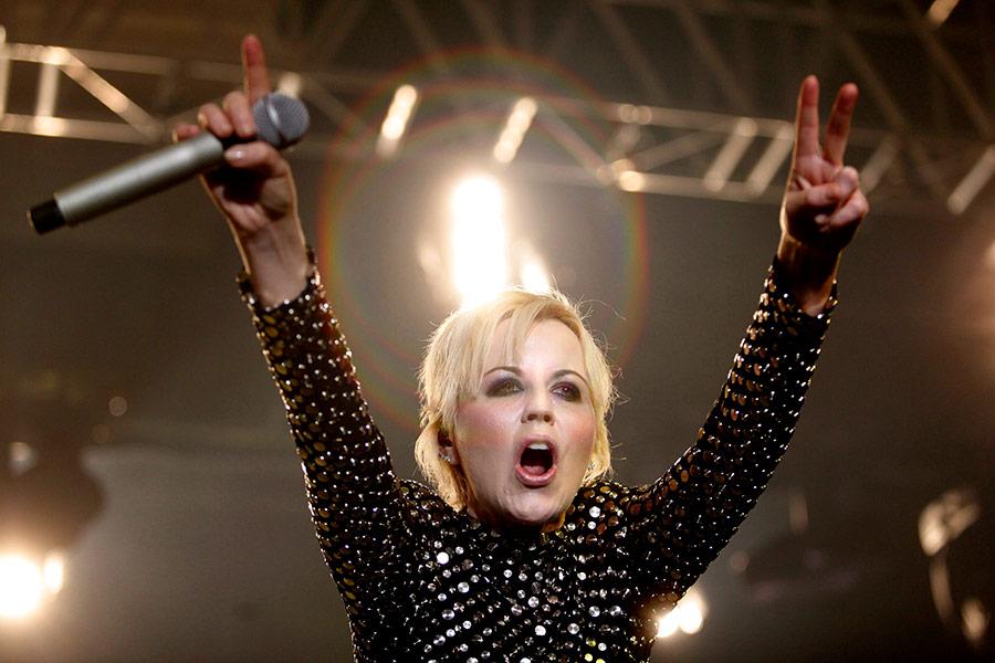 Долорес О'Риордан на концерте в Белграде 4 декабря 2012 года