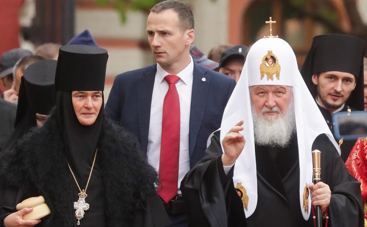 Настоятельница Покровского монастыря игуменья Феофания (Мискина) и патриарх Московский и всея Руси Кирилл