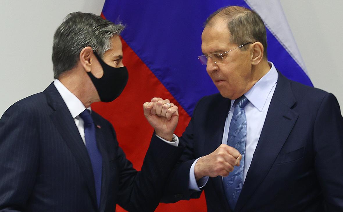Сергей Лавров (справа) иЭнтони Блинкен