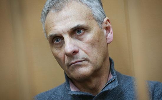 Обвиняемый по делу о получении взятки бывший губернатор Сахалина Александр Хорошавин во время заседания по вопросу о продлении срока ареста в Басманном суде
