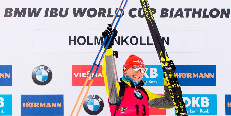 Анастасия Кузьмина возглавила общий зачет Кубка мира по биатлону
