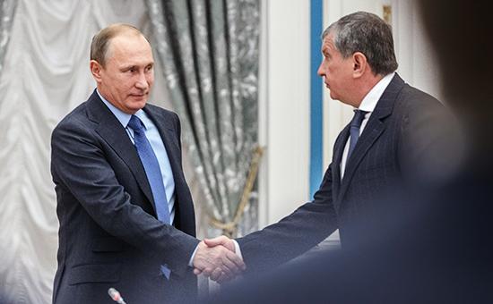 Президент России Владимир Путин иглава «Роснефти» Игорь Сечин. Октябрь 2015 года