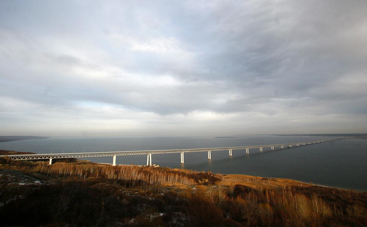 В МВД установили личность пролетевшего на самолете под мостом через Волгу