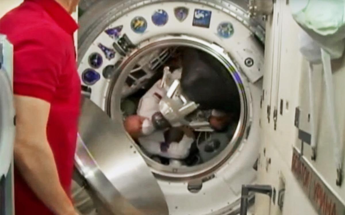 Экипаж корабля Ю.А.Гагарин перешел на МКС