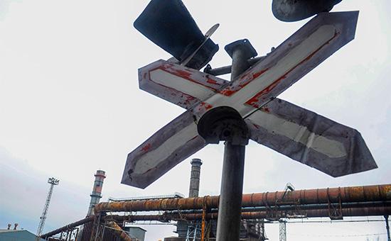 Железнодорожный переезд натерритории Донецкого металлургического завода. 27 февраля 2017 года