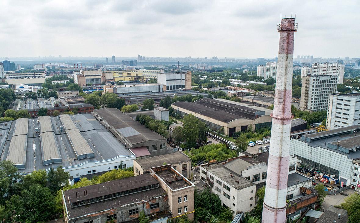 Вид на территорию Тушинского машиностроительного завода на улице Свободы