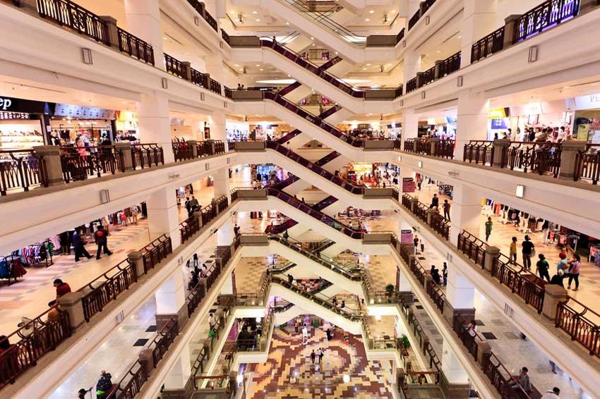Огромный магазин , Супер Мега Молл , Европа