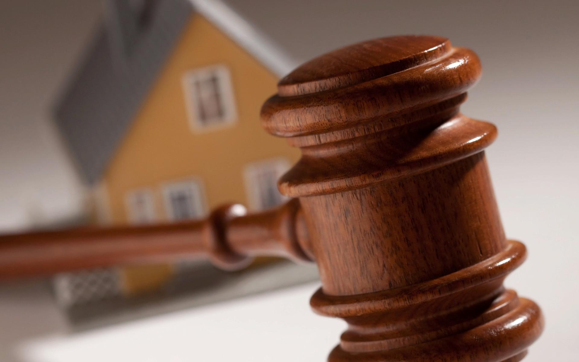 Право собственности в связи с приобретательной давностью получается только через суд
