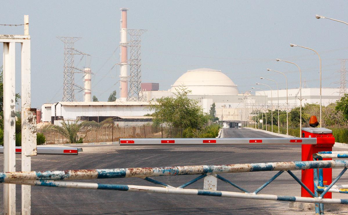Вид на Бушерскую АЭС