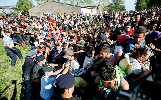 Столкновение мигрантов сполицией вгороде Товарник