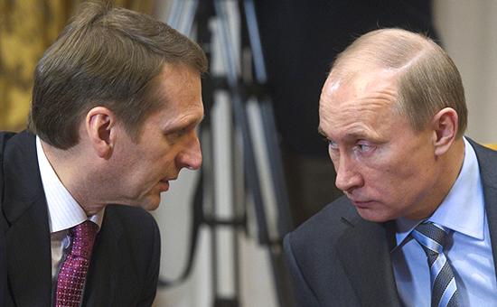 Сергей Нарышкин (слева) ипрезидент России Владимир Путин. Апрель 2011 года