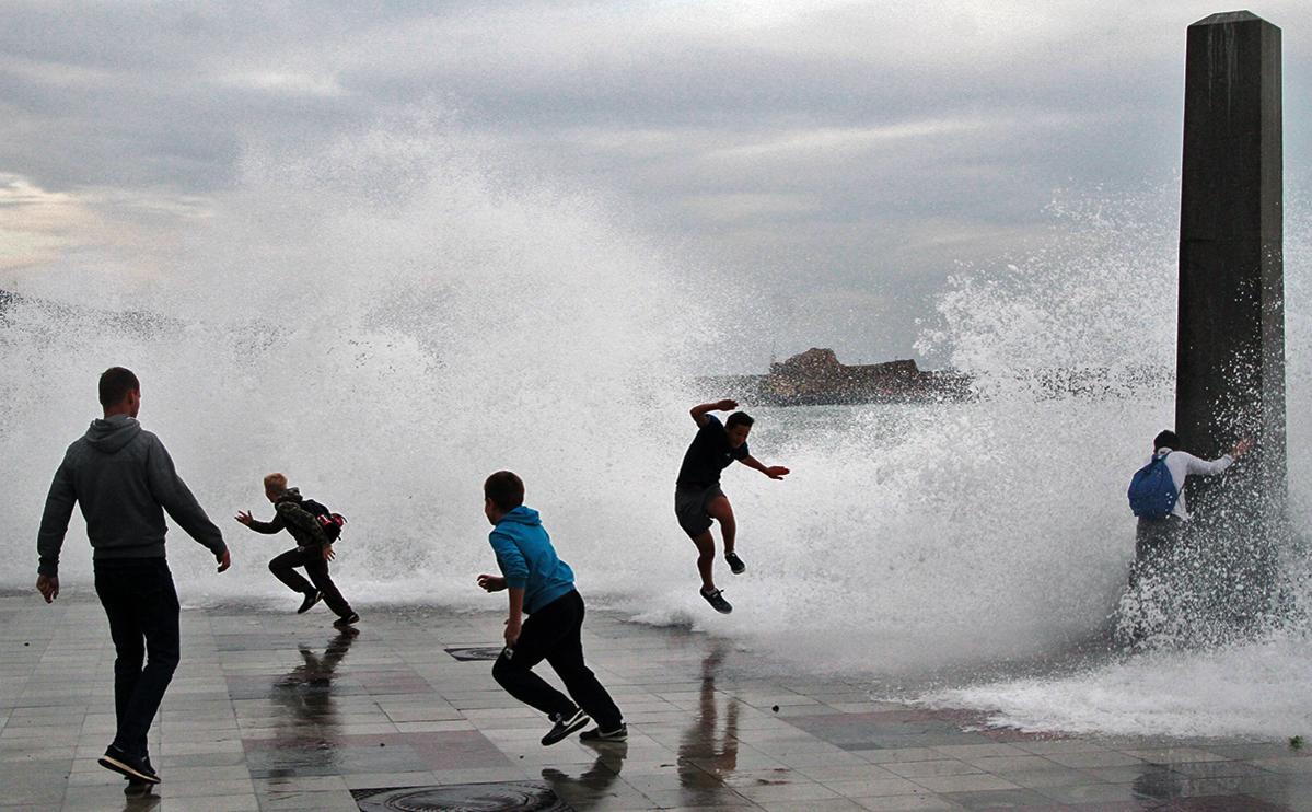 В Крыму объявили очередное штормовое предупреждение