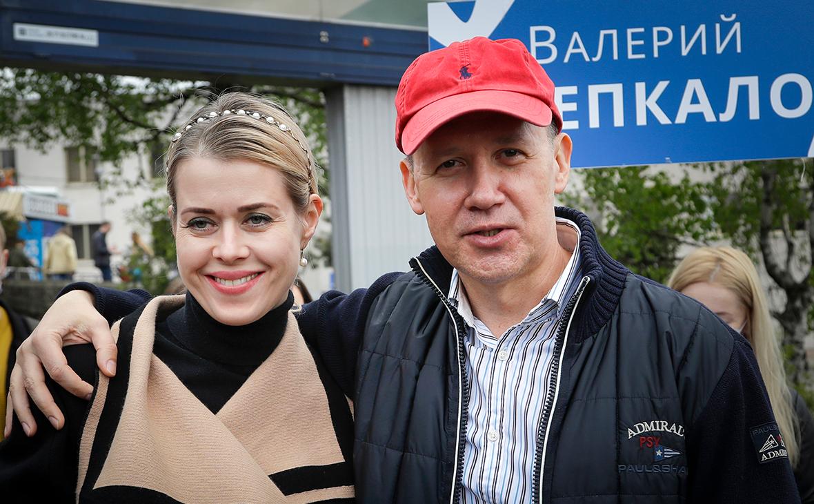 Валерий Цепкало со своей женой Вероникой
