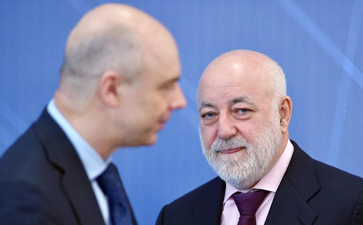 Антон Силуанов (слева) и Виктор Вексельберг