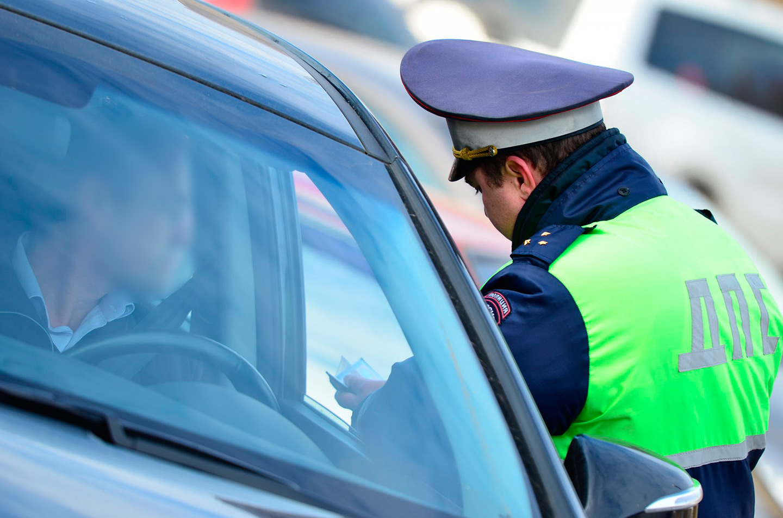 <p>Юрист советует водителям в такой ситуации уверенно сказать: &laquo;это никакая не встречка, я разворачивался, выписывайте штраф&raquo;.</p>