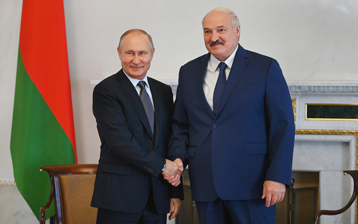 Путин по телефону поздравил Лукашенко с днем рождения :: Политика :: РБК