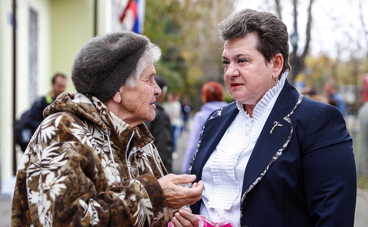 Светлана Орлова (справа)