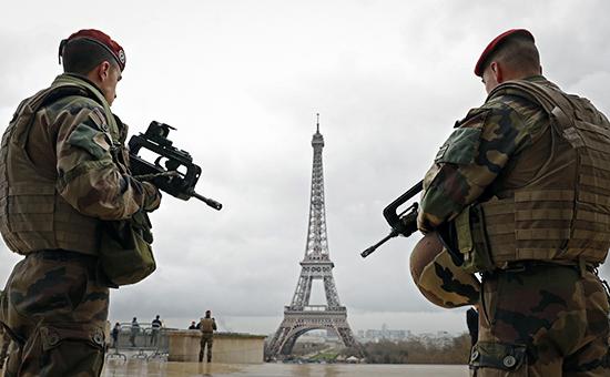 Патрули французского спецназа в Париже, март 2016 года
