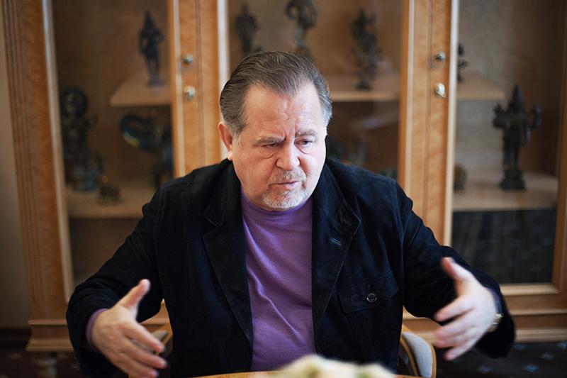 Основатель и председатель совета директоров «Автотора» Владимир Щербаков — один из тех, кто привел GM в Россию. В середине 90-х годов он консультировал чиновников при создании сборочного производства в Елабуге, а уже в начале следующего десятилетия собирал Chevrolet, Opel и Cadillac на своем калининградском заводе.