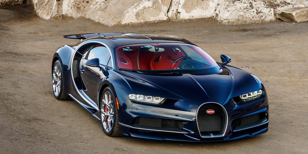 Bugatti Chiron  Bugatti Chiron—развитие гиперкара Veyron, номотор W16 счетырьмя турбокомпрессорами развивает 1500л.с. и1600 Нм против1200л.с. и1500 Нм у предшественника. Разгон до100 км/ч остался напрежнем уровне –2,5с, но200 км/ч и300 км/ч новый гиперкар достигает быстрее: за6,5 и13,6 ссоответственно. Максимальная скорость— 420 км/ч, приэтом спидометр Chiron размечен до500 км/ч, ибудущие спецверсии имеют все шансы установить очередной рекорд.