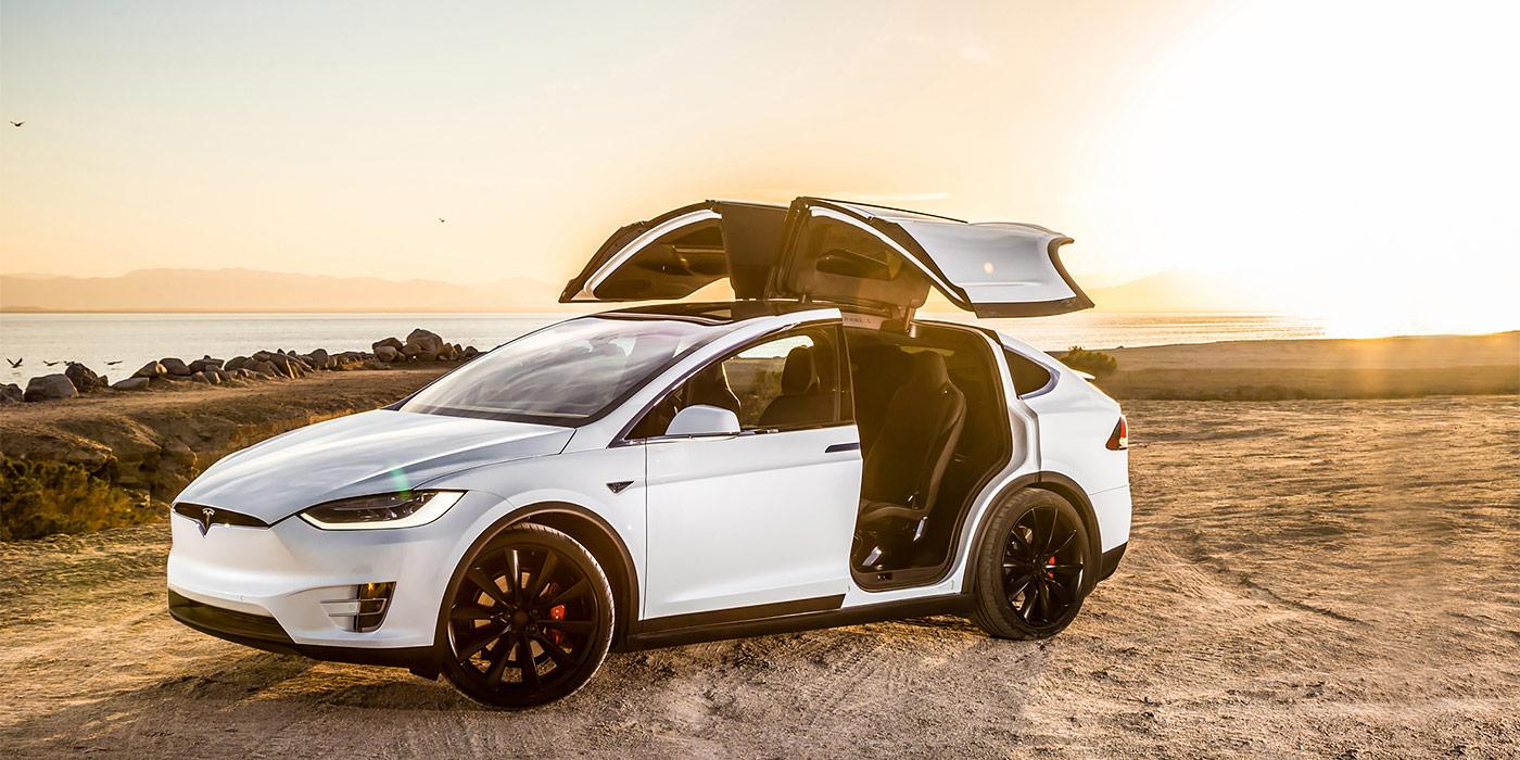 Ищи меня в клубе. Тест-драйв Tesla Model X :: Autonews