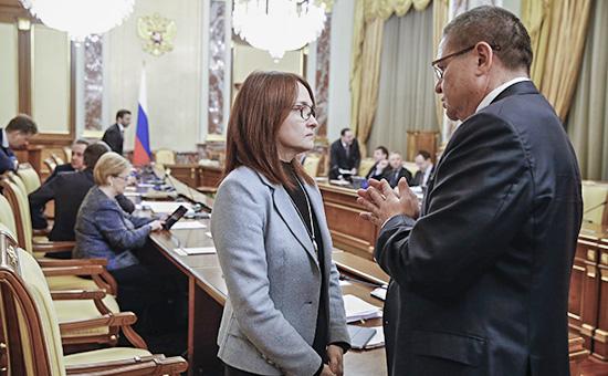 Министр экономического развитияАлексей Улюкаев иглава Банка России Эльвира Набиуллина, 3 марта 2016 года