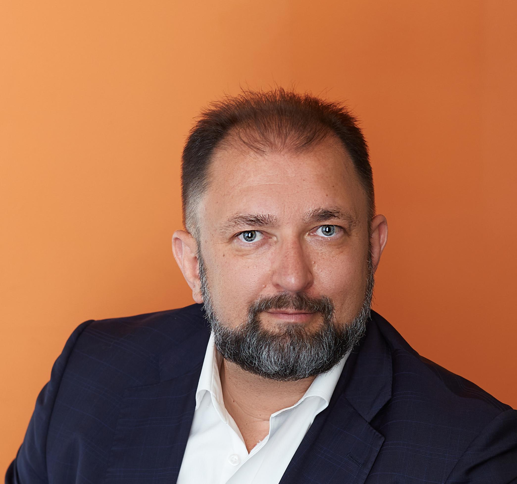 Денис Колокольников