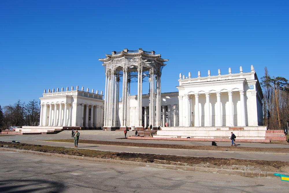 Павильон № 66 - Культура был построен к открытию ВСХВ в 1954 году как павильон Узбекистана