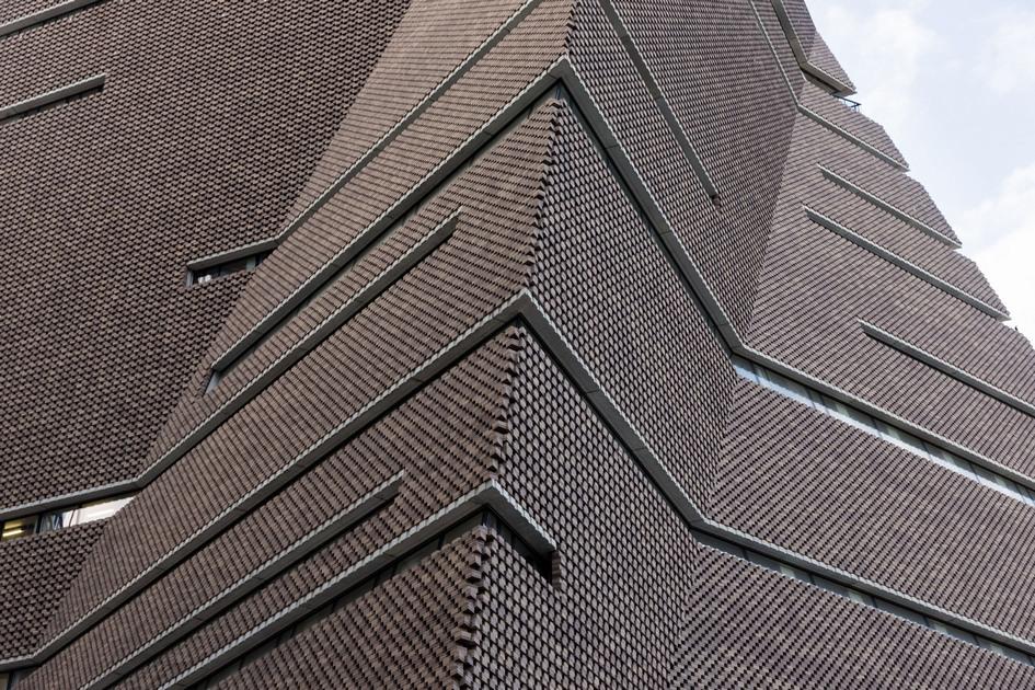 Швейцарское архитектурное бюро Herzog & de Meuron спроектировавшее Switch House,представилоновый корпус ГалереиТейт, котороеназвали«наиболее важным культурным объектом, появившимся в Великобритании за последние 20 лет»
