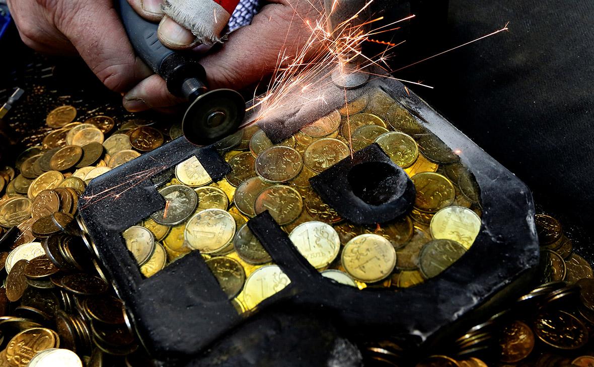 Минэкономразвития ухудшило прогноз по курсу рубля на 2019 год