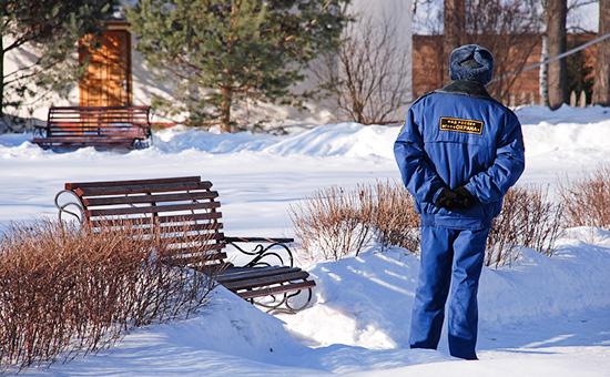 Работник охраны на службе в усадьбе Мелихово  Архивное фото