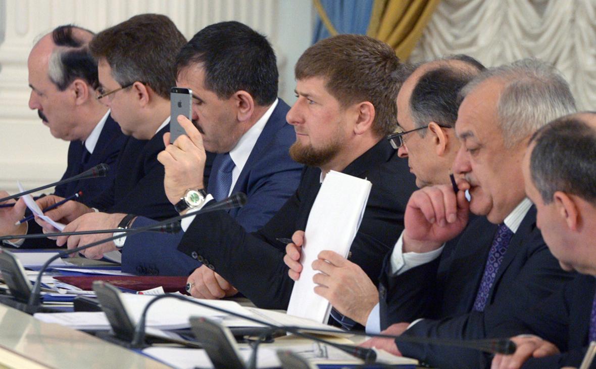 Рамзан Кадыров (в центре)