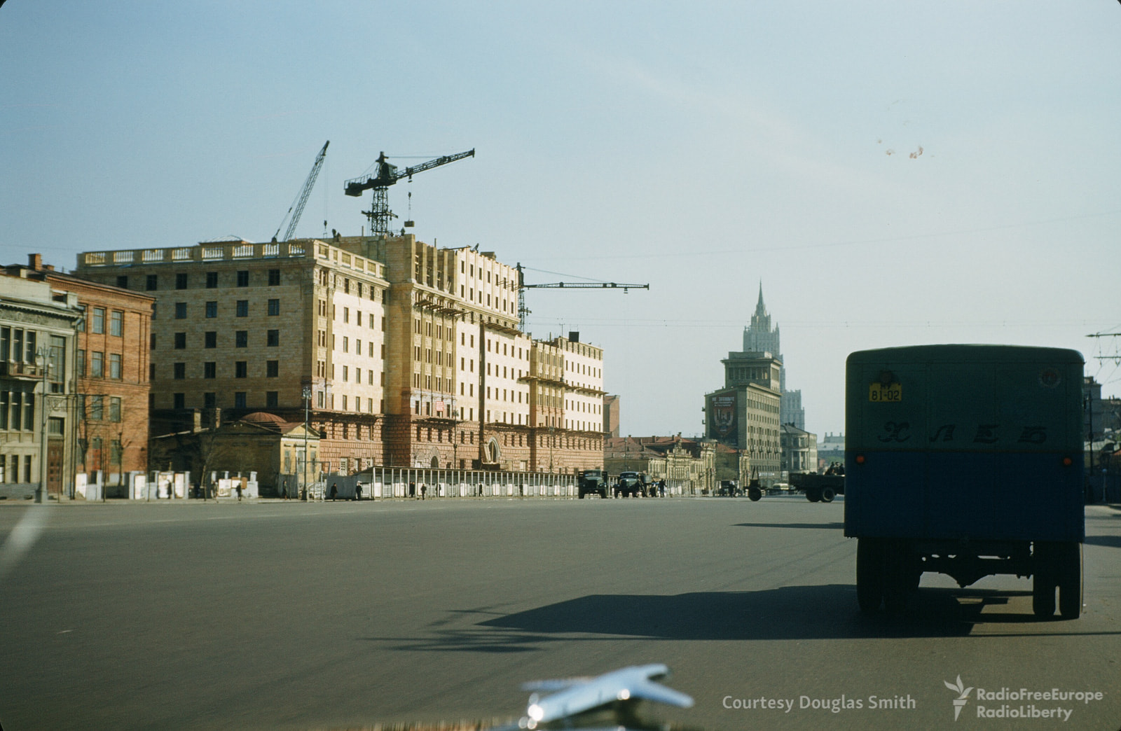 Строительство здания наулице Чайковского (Новинском бульваре)
