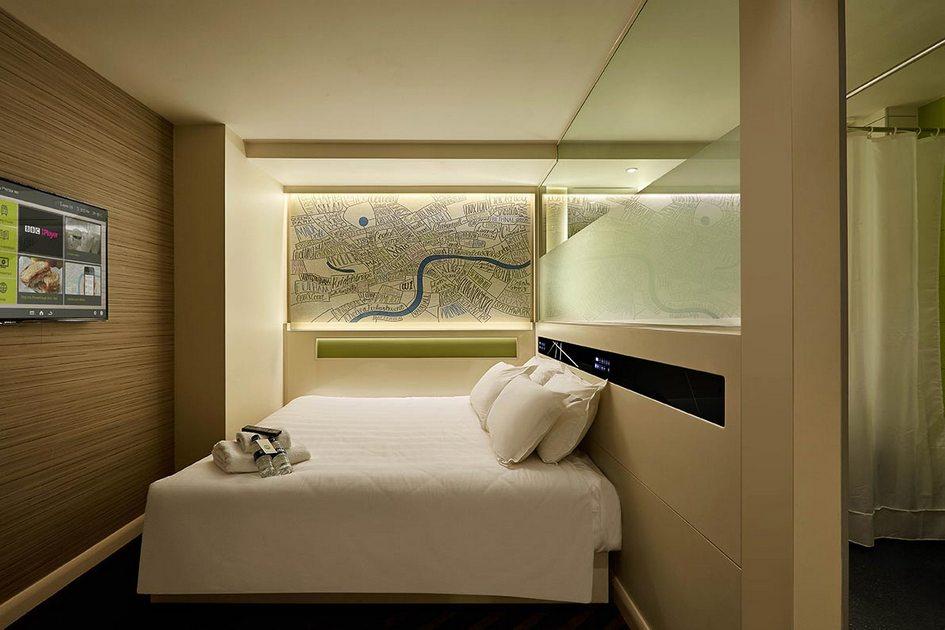 Новые технологии—главное отличие отелей дляпоколения Y отстарорежимных гостиниц дляболее взрослых гостей. Молодые постояльцы оценят сенсорное управление визголовье кровати, откудаможно, кпримеру, управлять кондиционером илизавести будильник