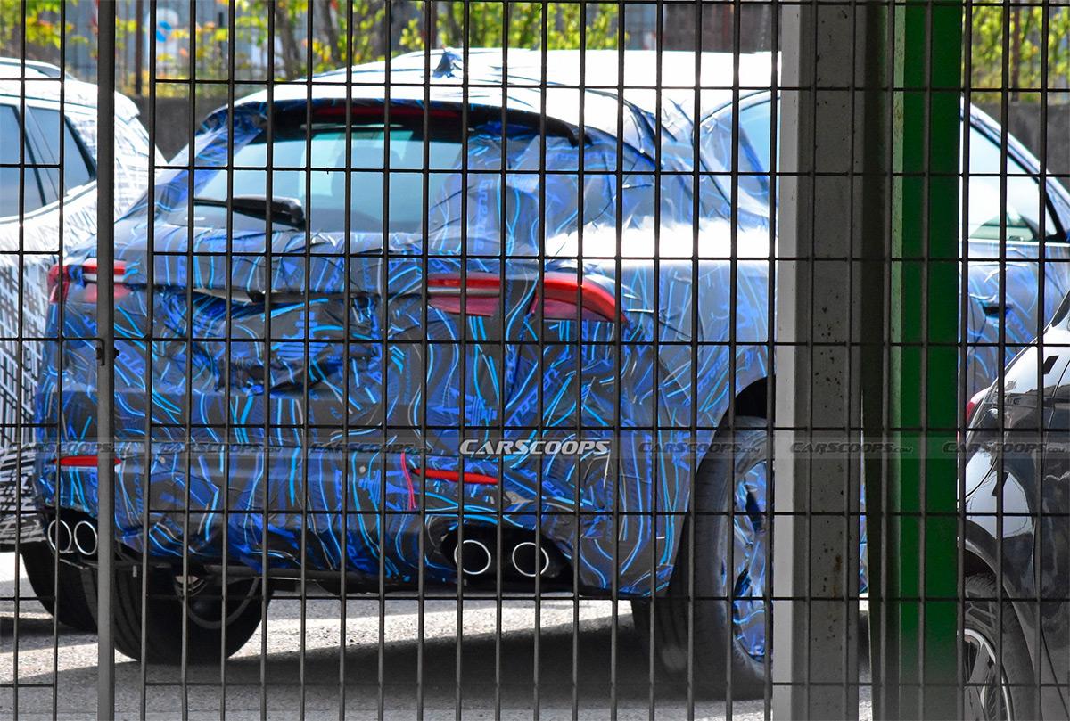 <p>Maserati Grecale</p>