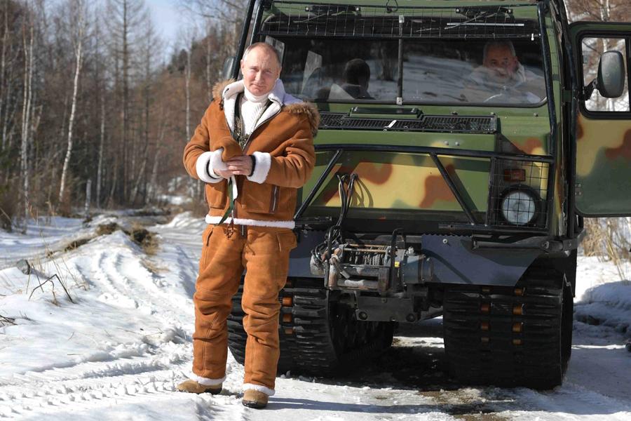 Путин отправил в отставку главу Тувы