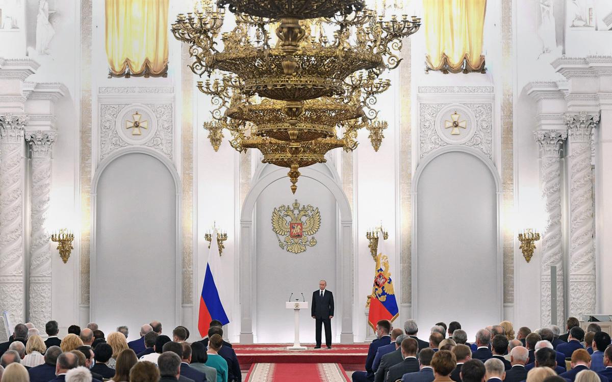 Владимир Путин на встрече с депутатами Государственной Думы седьмого созыва