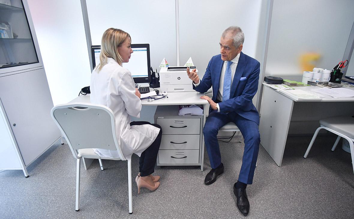 Онищенко не увидел необходимости вакцинировать от коронавируса детей