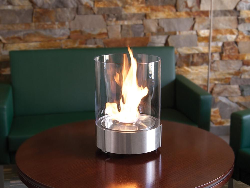 Небольшие камины на биотопливе выделяют немало тепла и сжигают воздух без выделения копоти. На выходе только водяные пары и C02